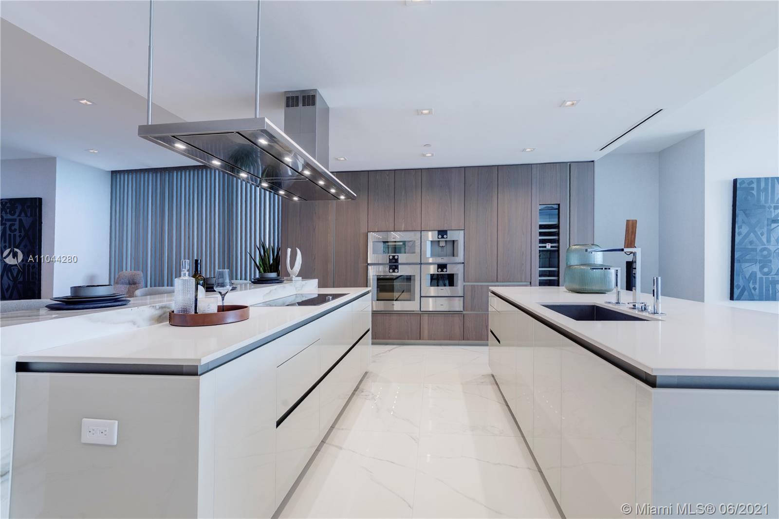 18501 COLLINS AVE #801 photo04