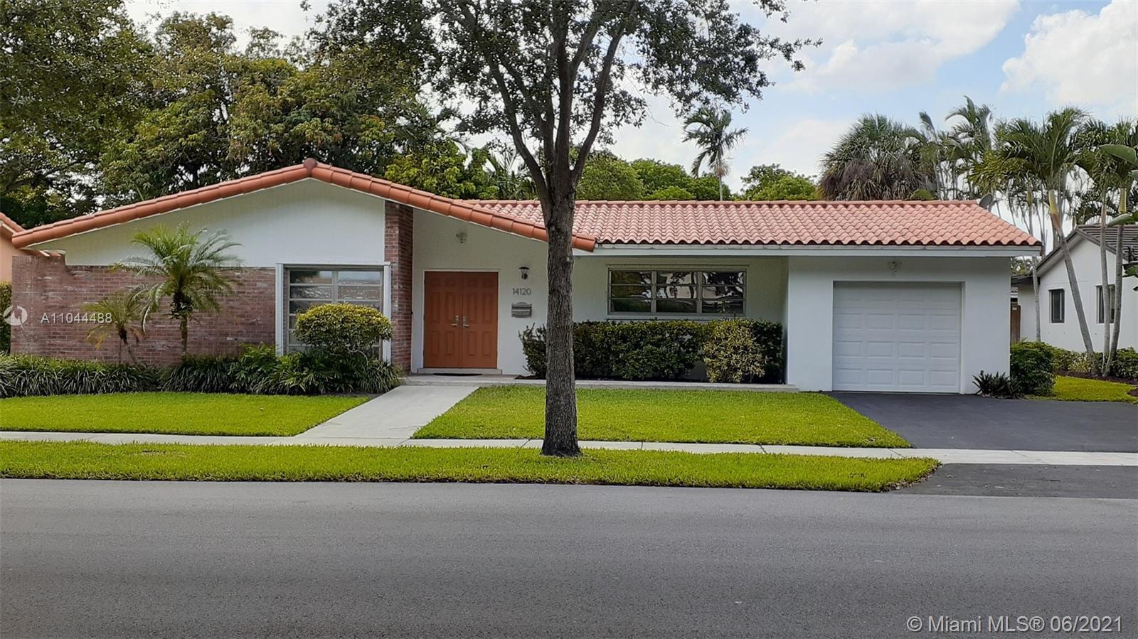 Miami Lakes - 14120 Alamanda Ave, Miami Lakes, FL 33014