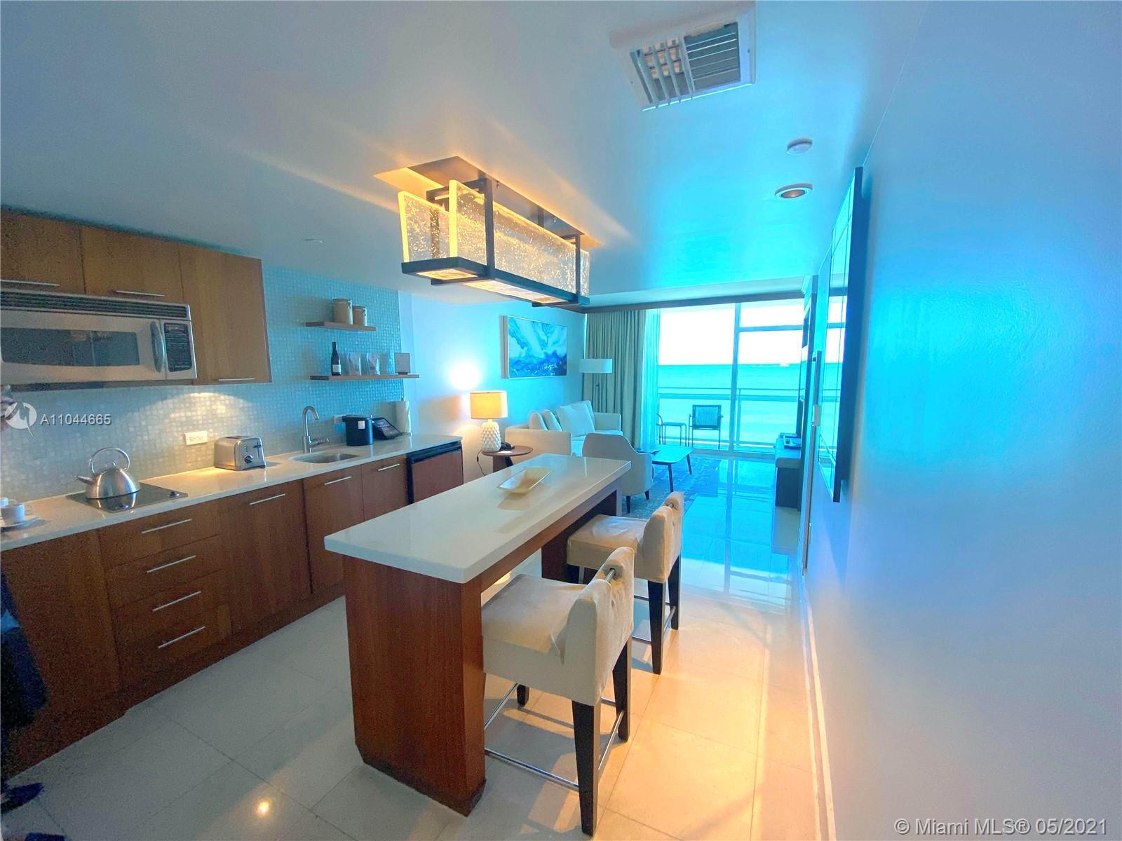 Carillon Hotel Tower #617 - 6801 Collins Ave #617, Miami Beach, FL 33141