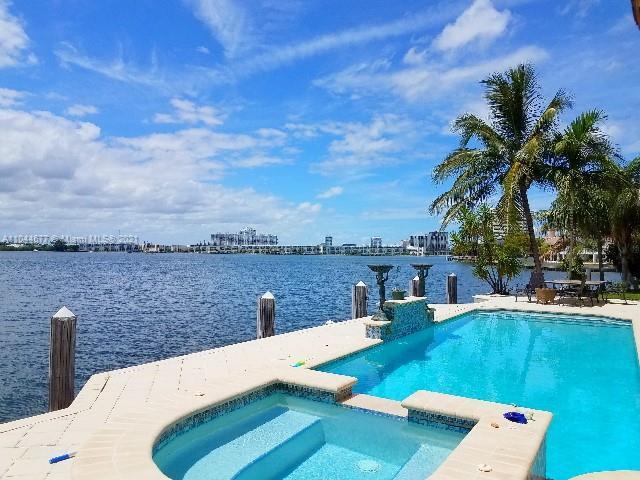 North Miami Beach - 16479 NE 30th Ave, North Miami Beach, FL 33160