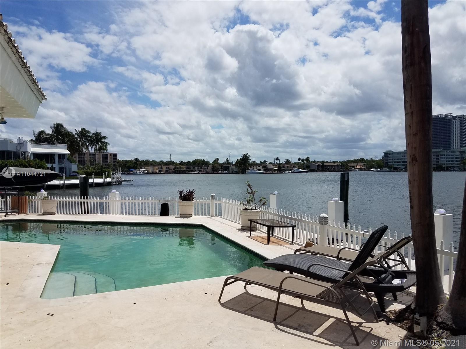 North Miami Beach - 16480 NE 30th Ave, North Miami Beach, FL 33160
