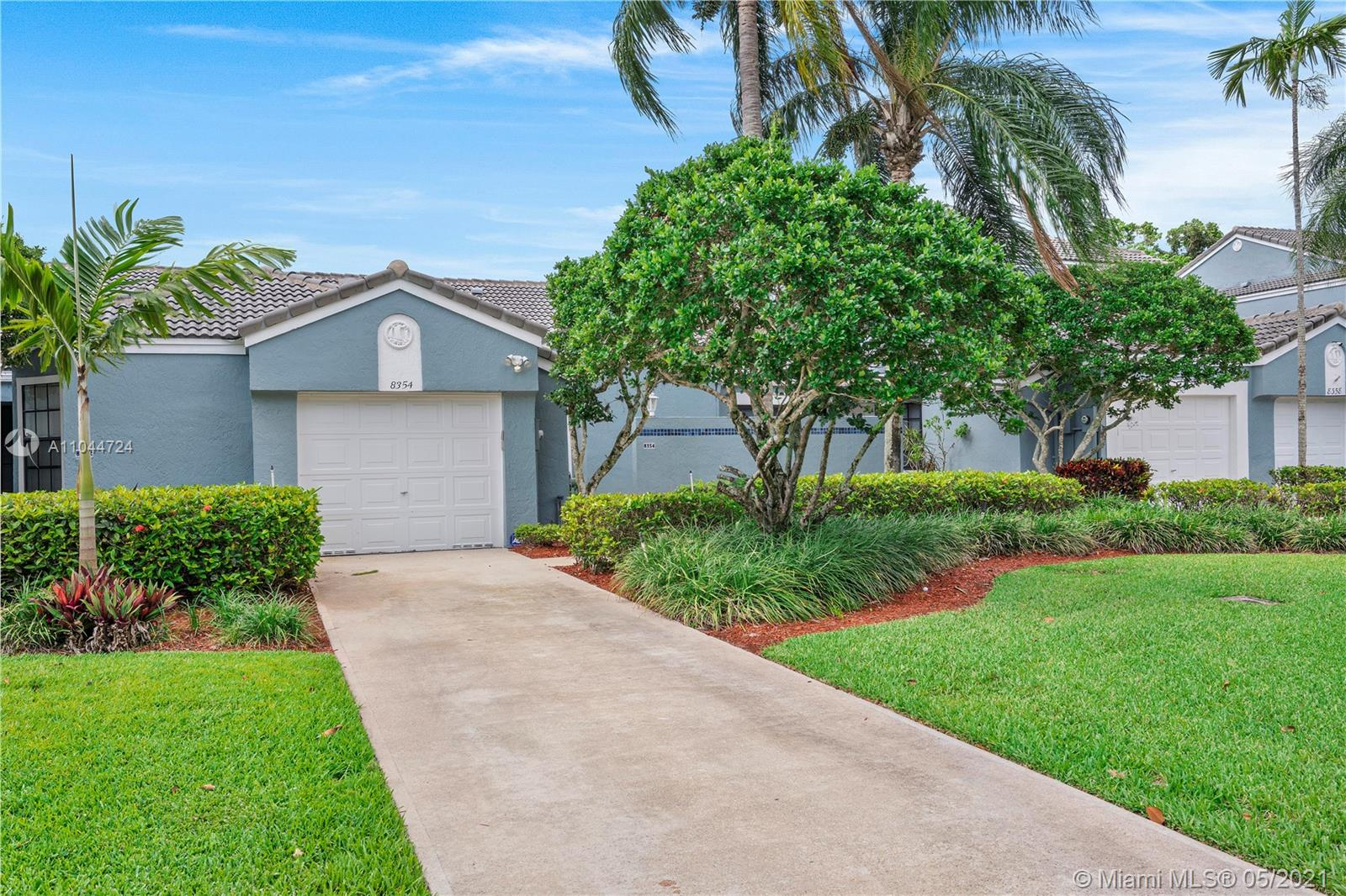 Property for sale at 8354 Waterford Ave, Tamarac,  Florida 33321