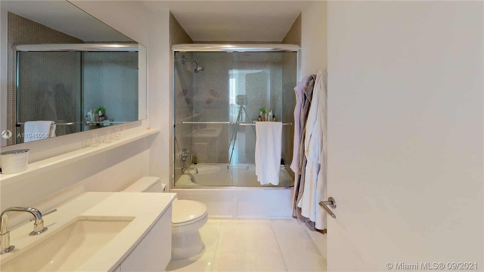 17875 Collins Ave #3101 photo036
