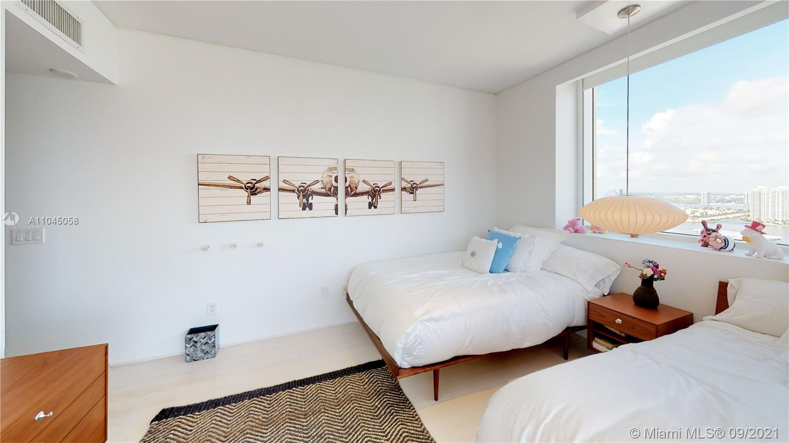 17875 Collins Ave #3101 photo040
