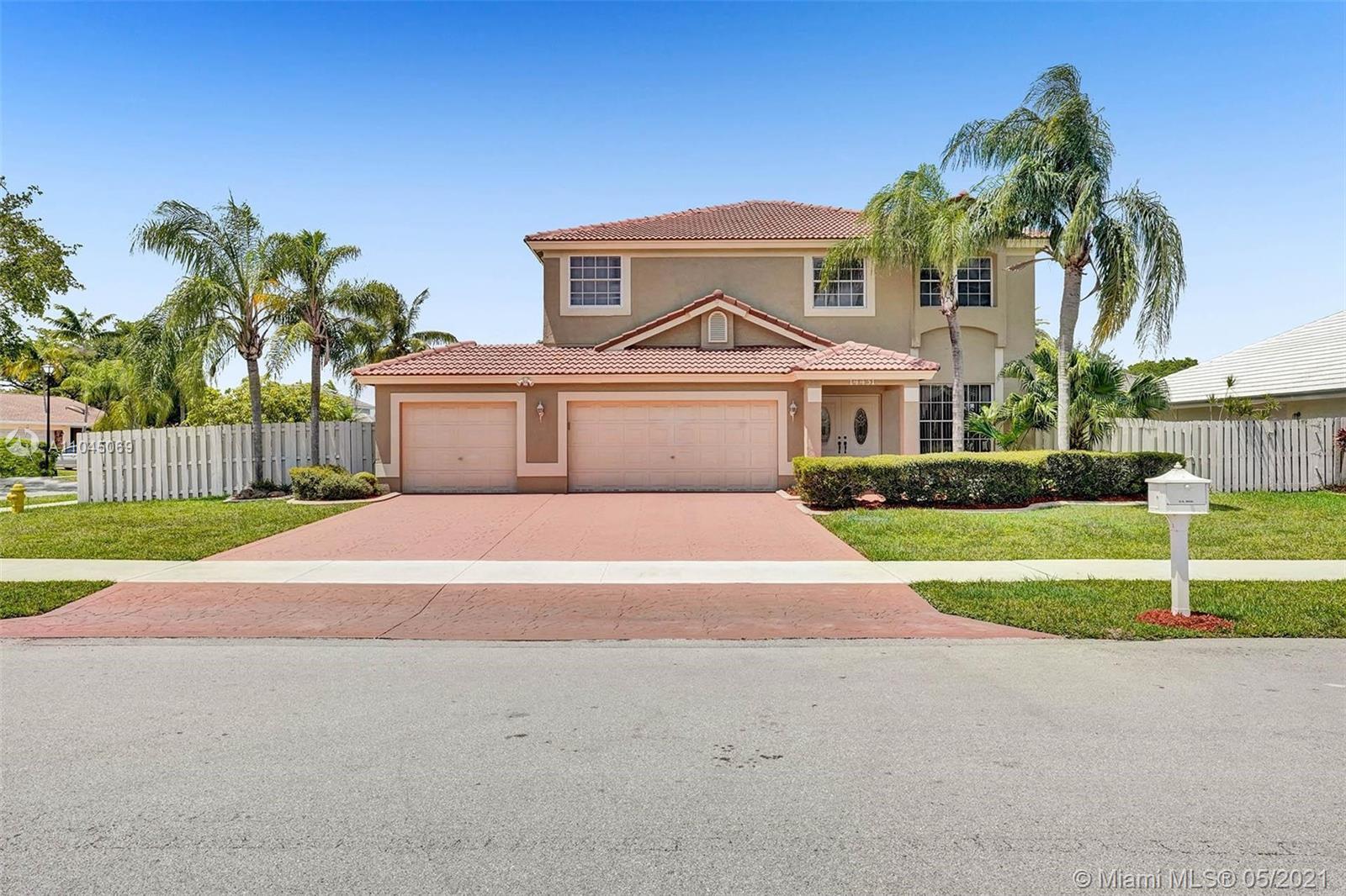 Shenandoah - 14431 Greenbriar Manor, Davie, FL 33325