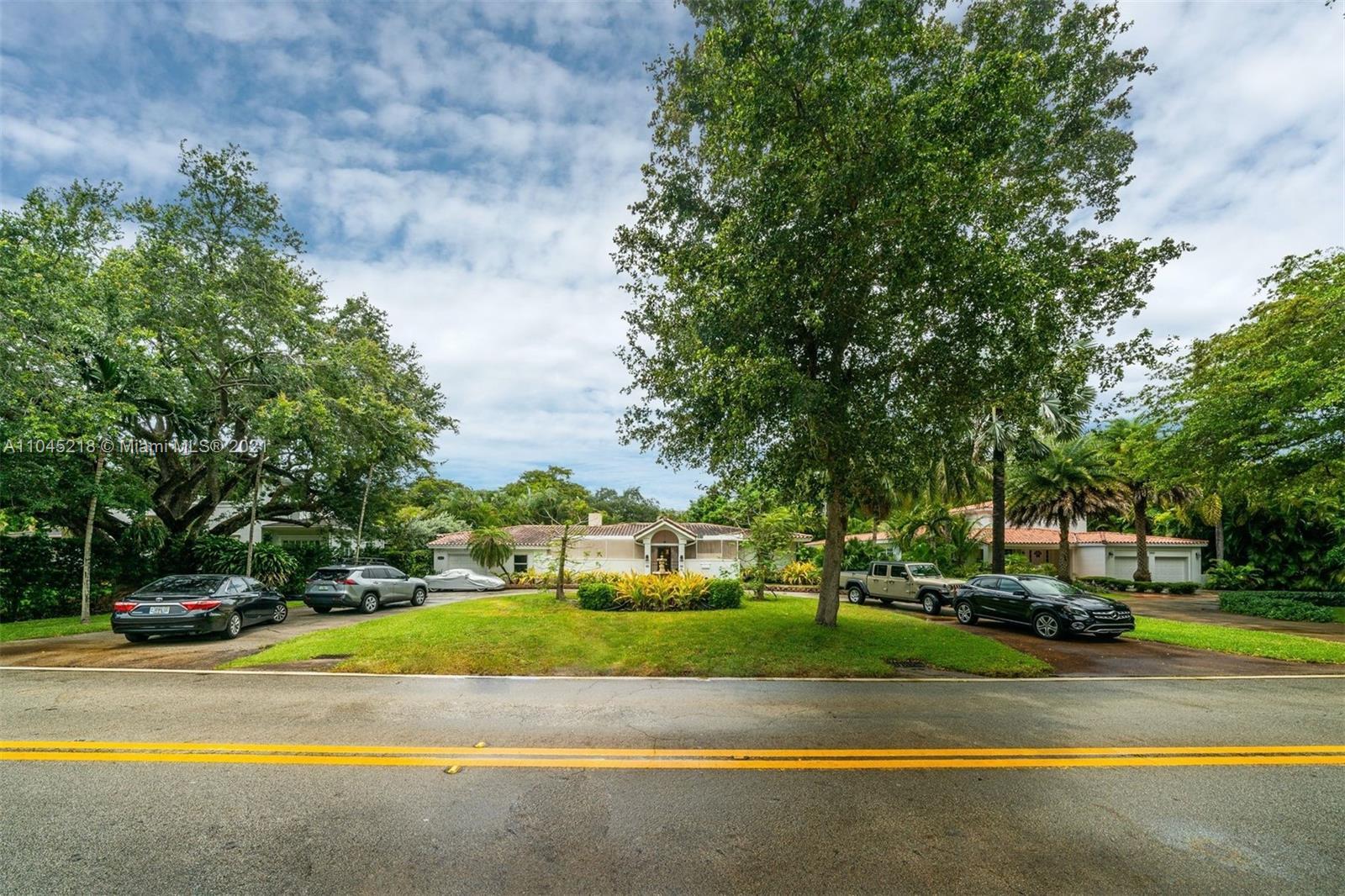 Riviera - 5660 Granada Blvd, Coral Gables, FL 33146