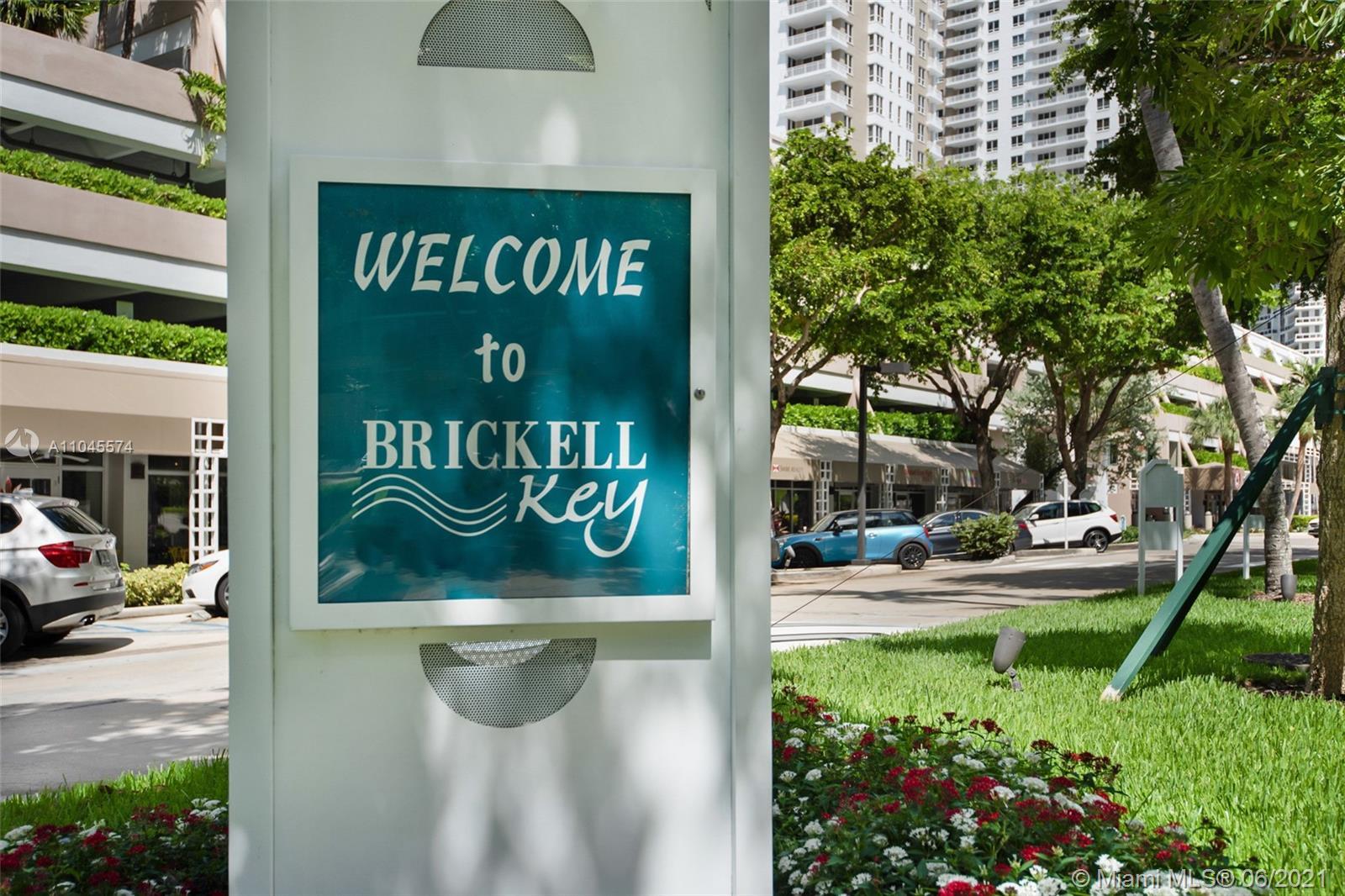 520 Brickell Key Dr #APH13 photo016