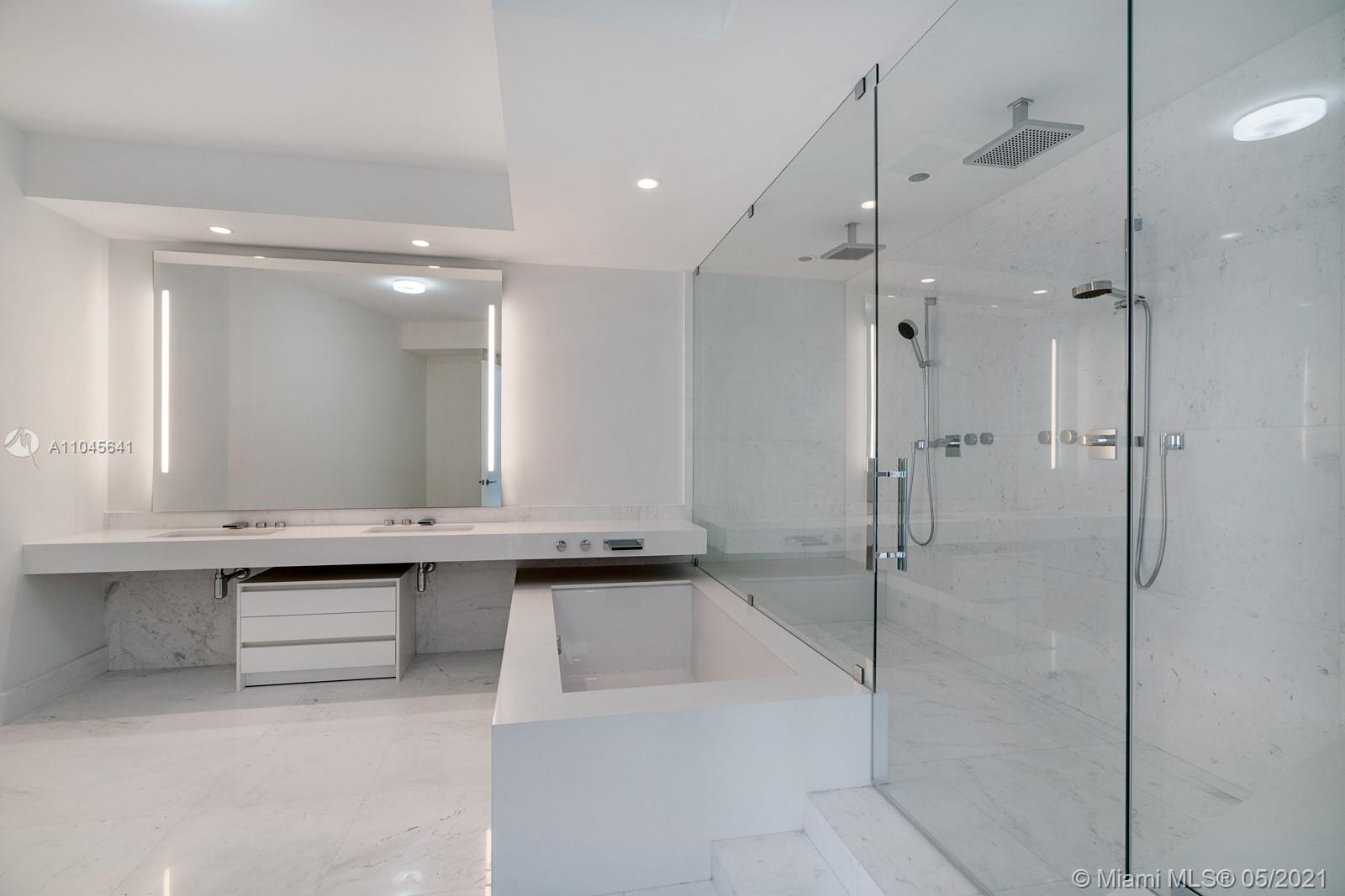 18555 Collins Ave #2801 photo09