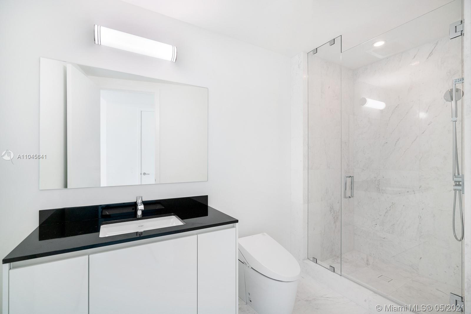 18555 Collins Ave #2801 photo011