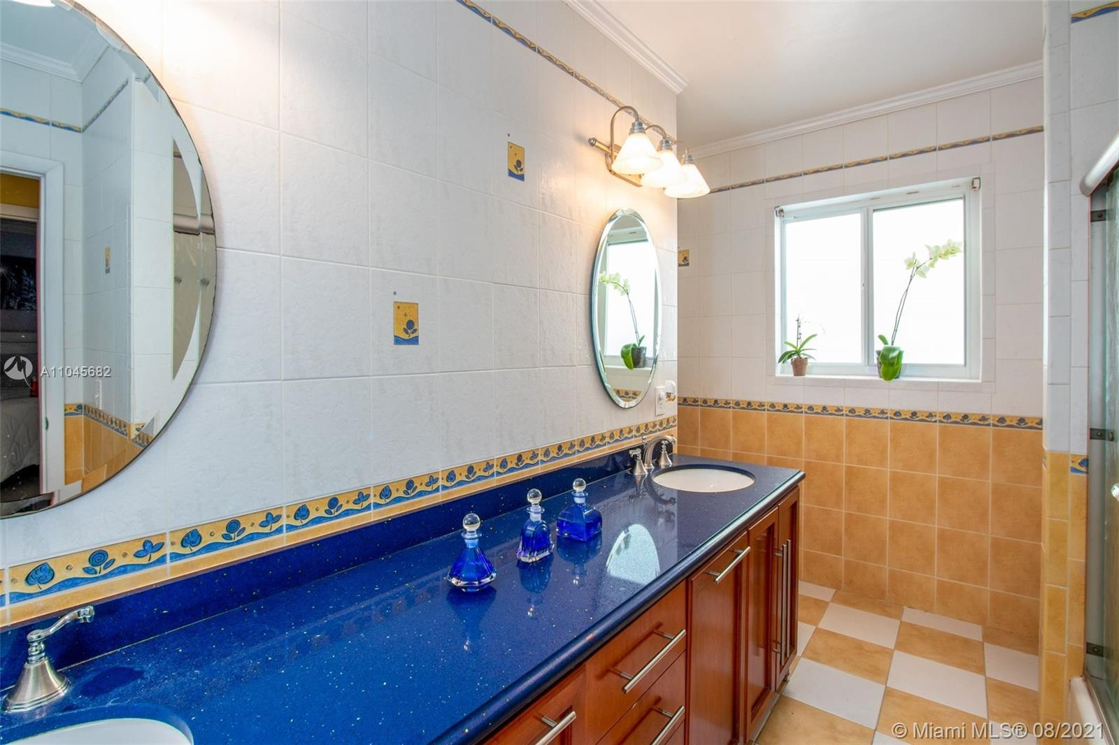 1514 Urbino Ave photo023