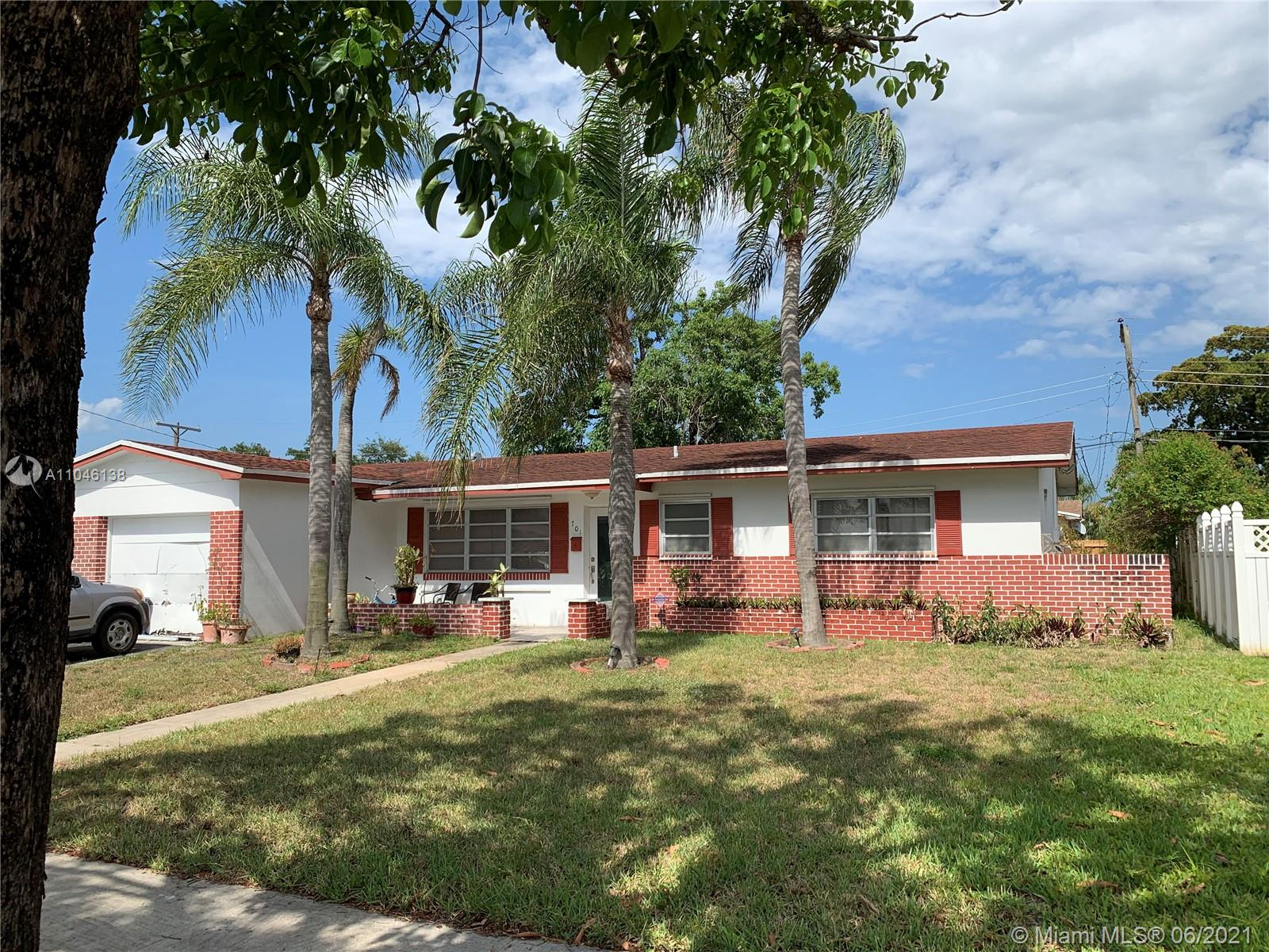 Boulevard Heights - 701 NW 78th Ave, Pembroke Pines, FL 33024