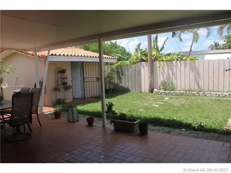 10905 SW 52nd Dr photo03