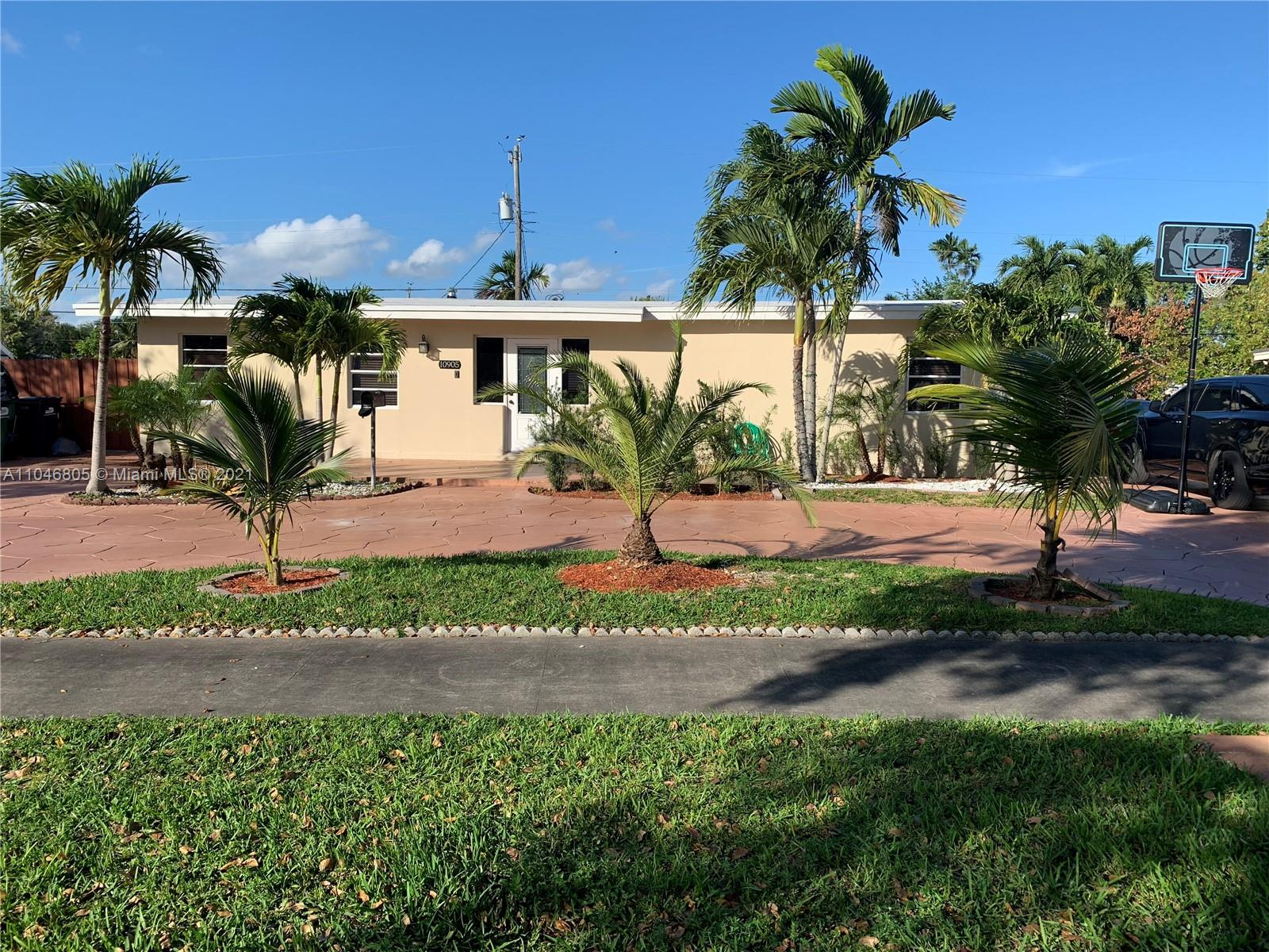 Westwood Lake - 10905 SW 52nd Dr, Miami, FL 33165