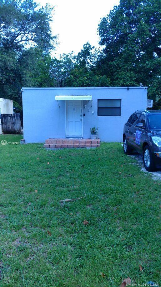 North Miami Beach - 318 NE 169th St, North Miami Beach, FL 33162