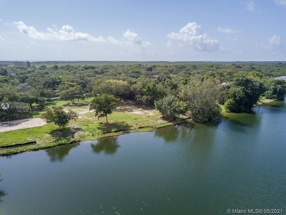 Snapper Creek Lakes - 10640 Lakeside Dr, Coral Gables, FL 33156