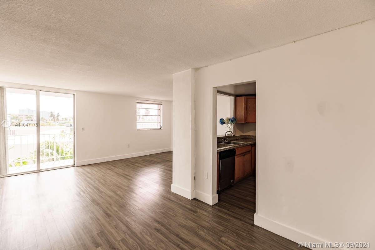 1145 Normandy Dr #302