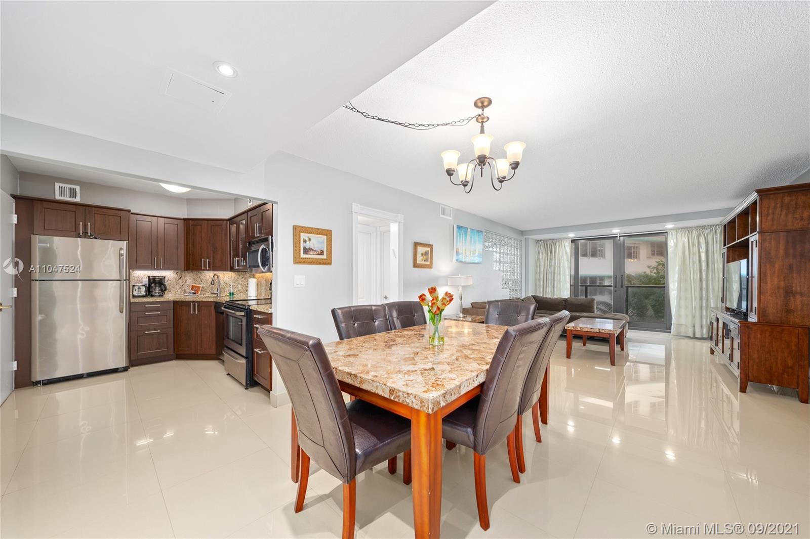 The Alexander #416 - 5225 Collins Ave #416, Miami Beach, FL 33140