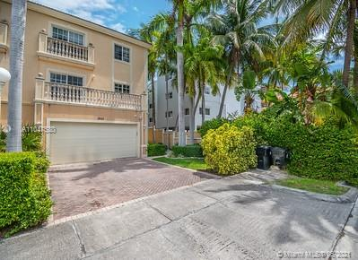 North Miami Beach - 3925 NE 168th St, North Miami Beach, FL 33160
