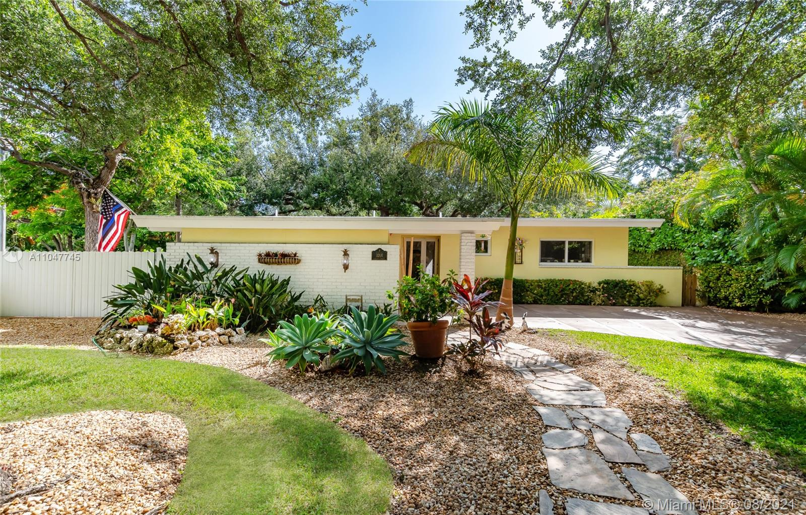 Main property image for  3201 Calusa St