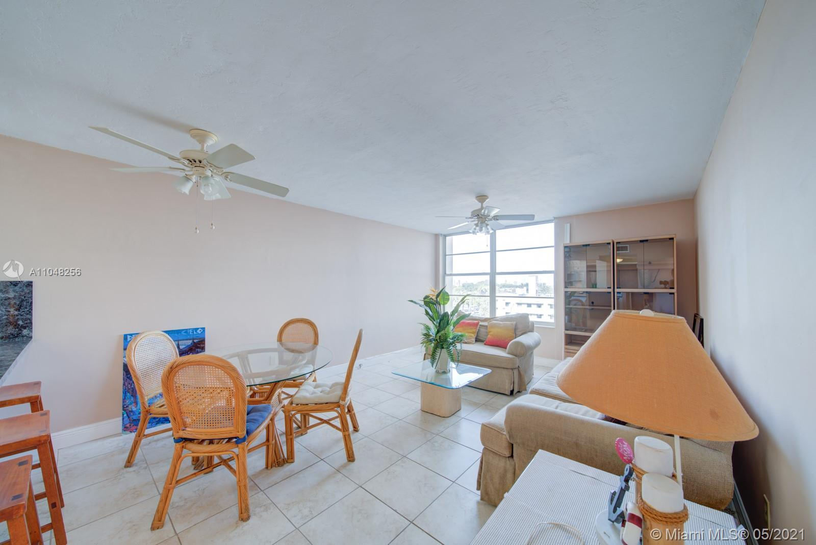2899 Collins Ave #636 photo06