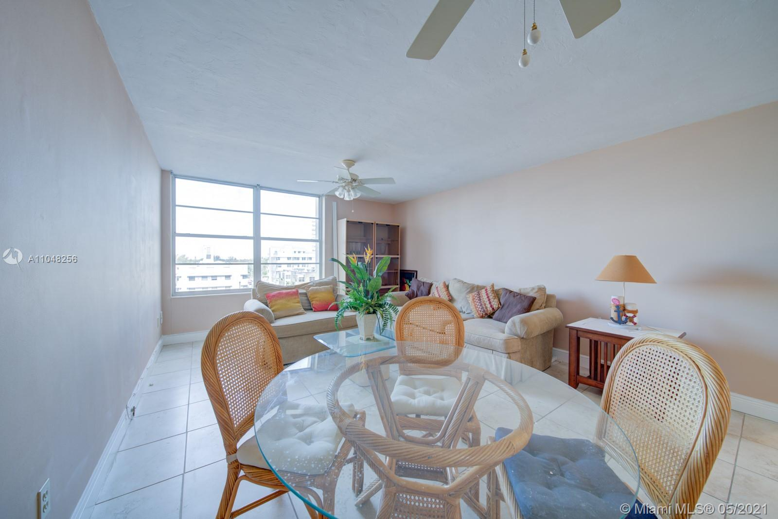 2899 Collins Ave #636 photo07