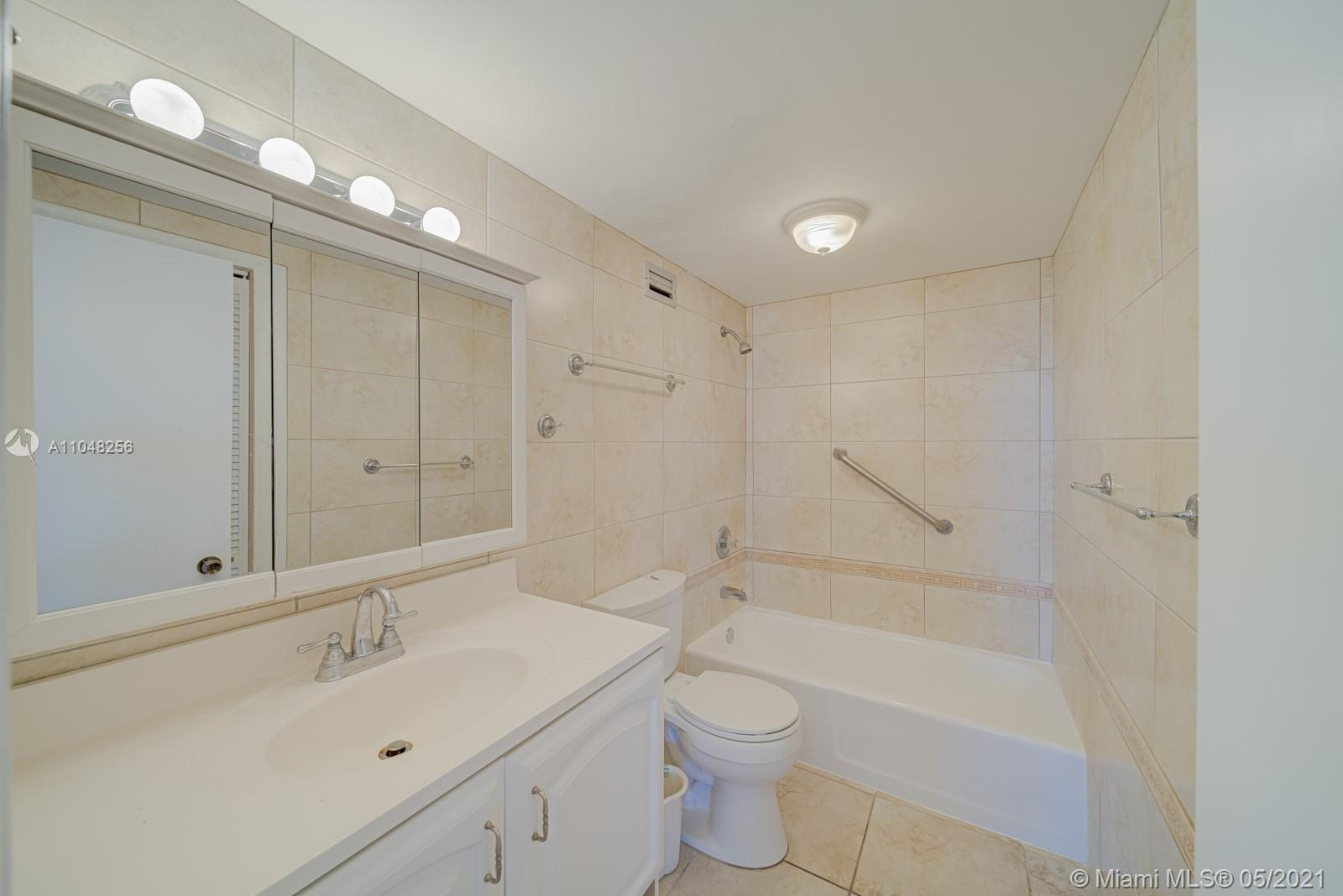 2899 Collins Ave #636 photo010