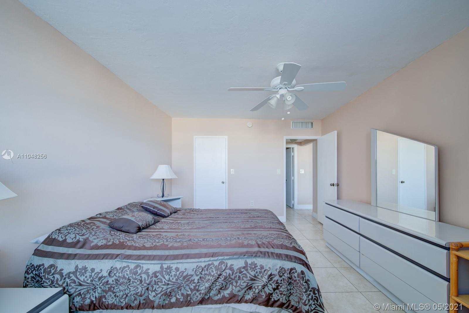 2899 Collins Ave #636 photo014
