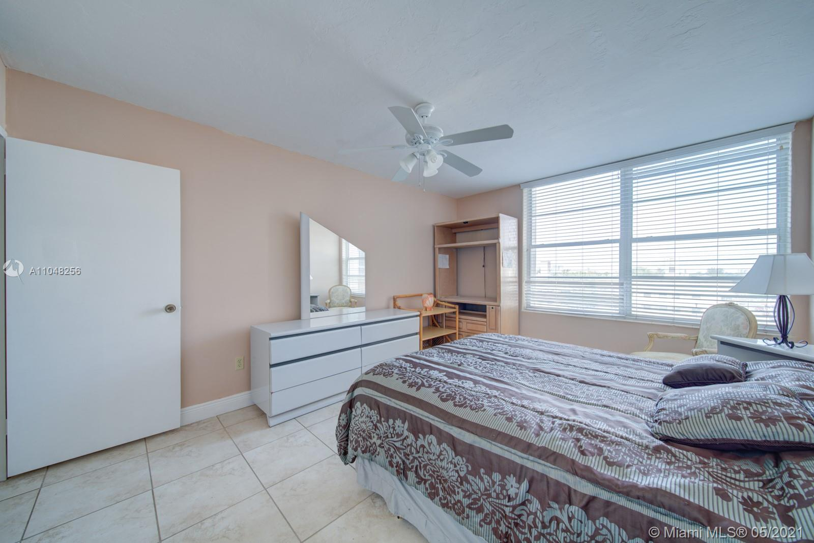 2899 Collins Ave #636 photo015