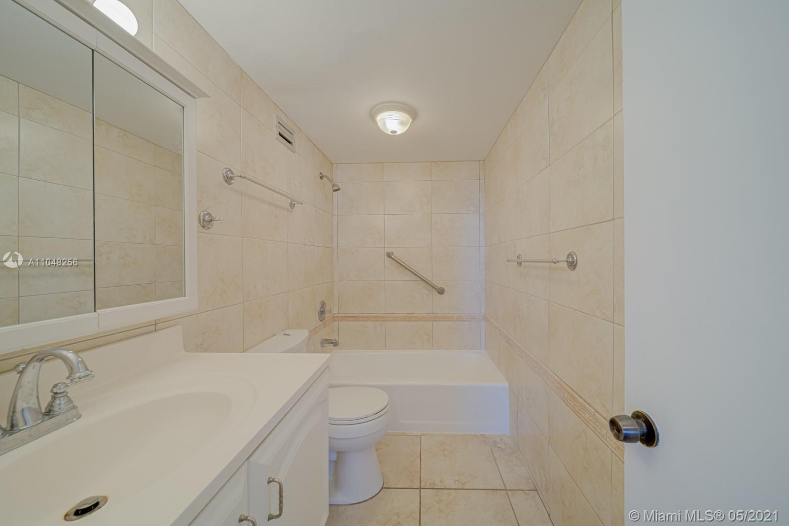2899 Collins Ave #636 photo011