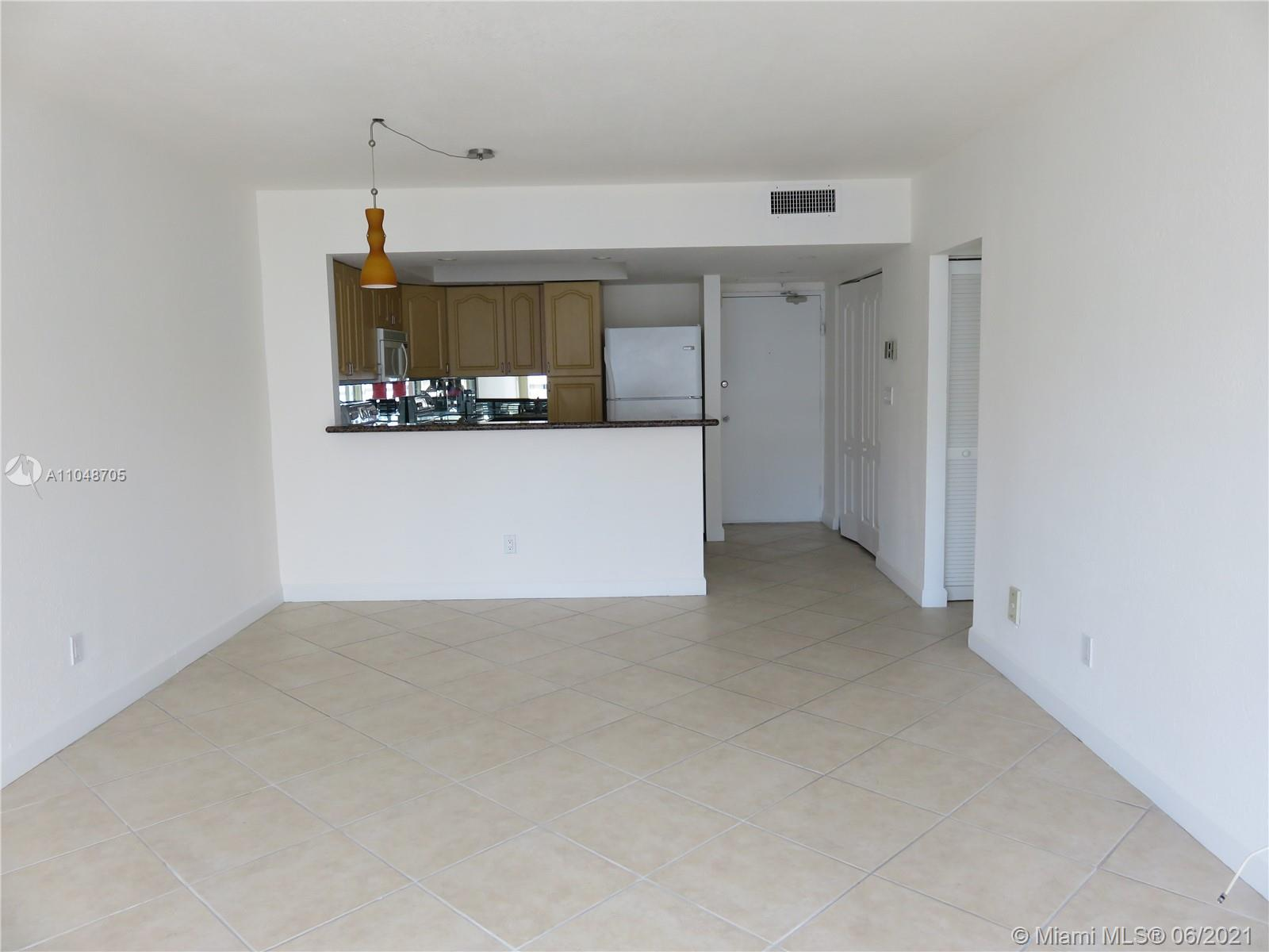 5600 Collins Ave #12A photo024