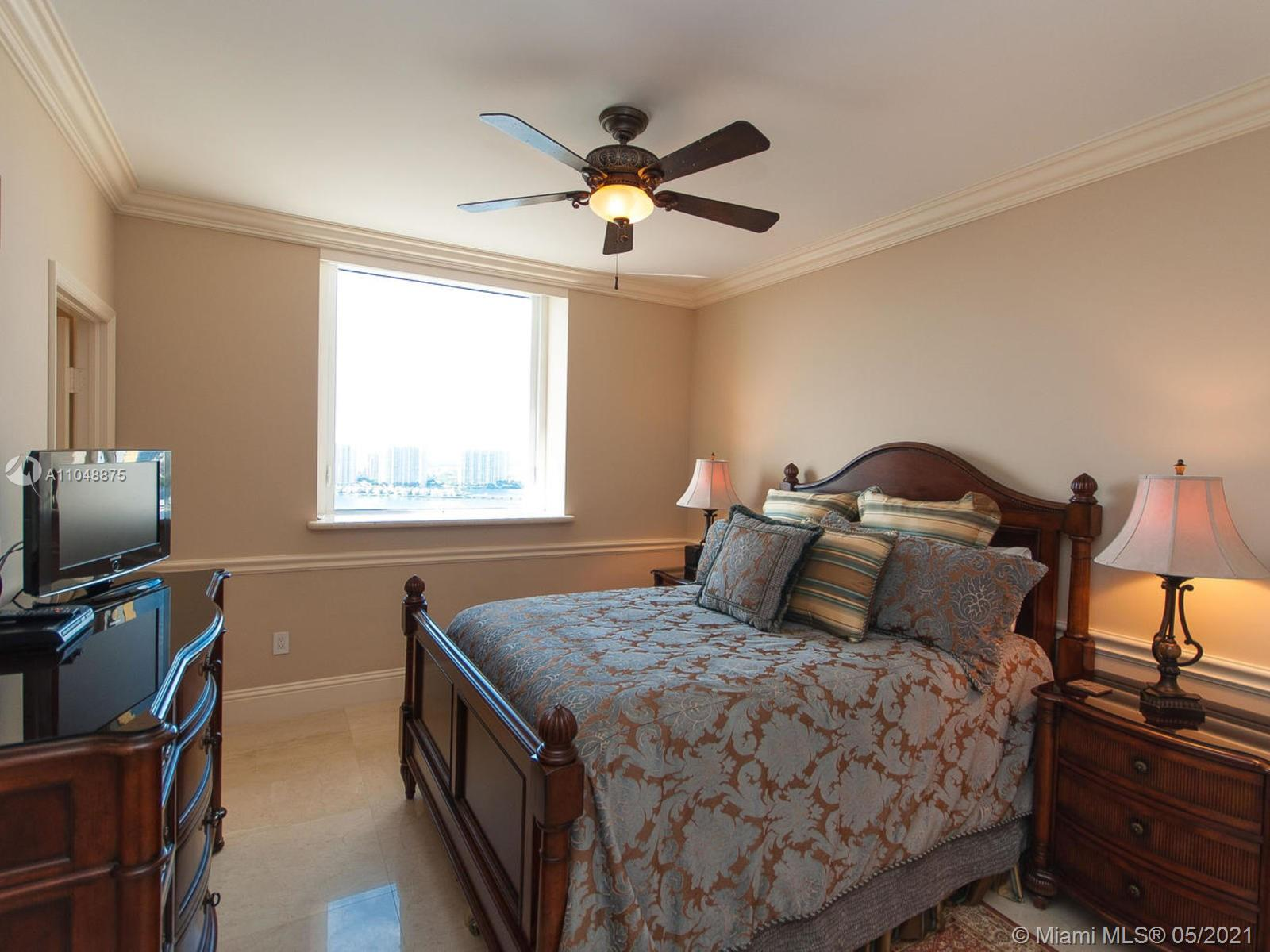 17875 Collins Ave #2701 photo024