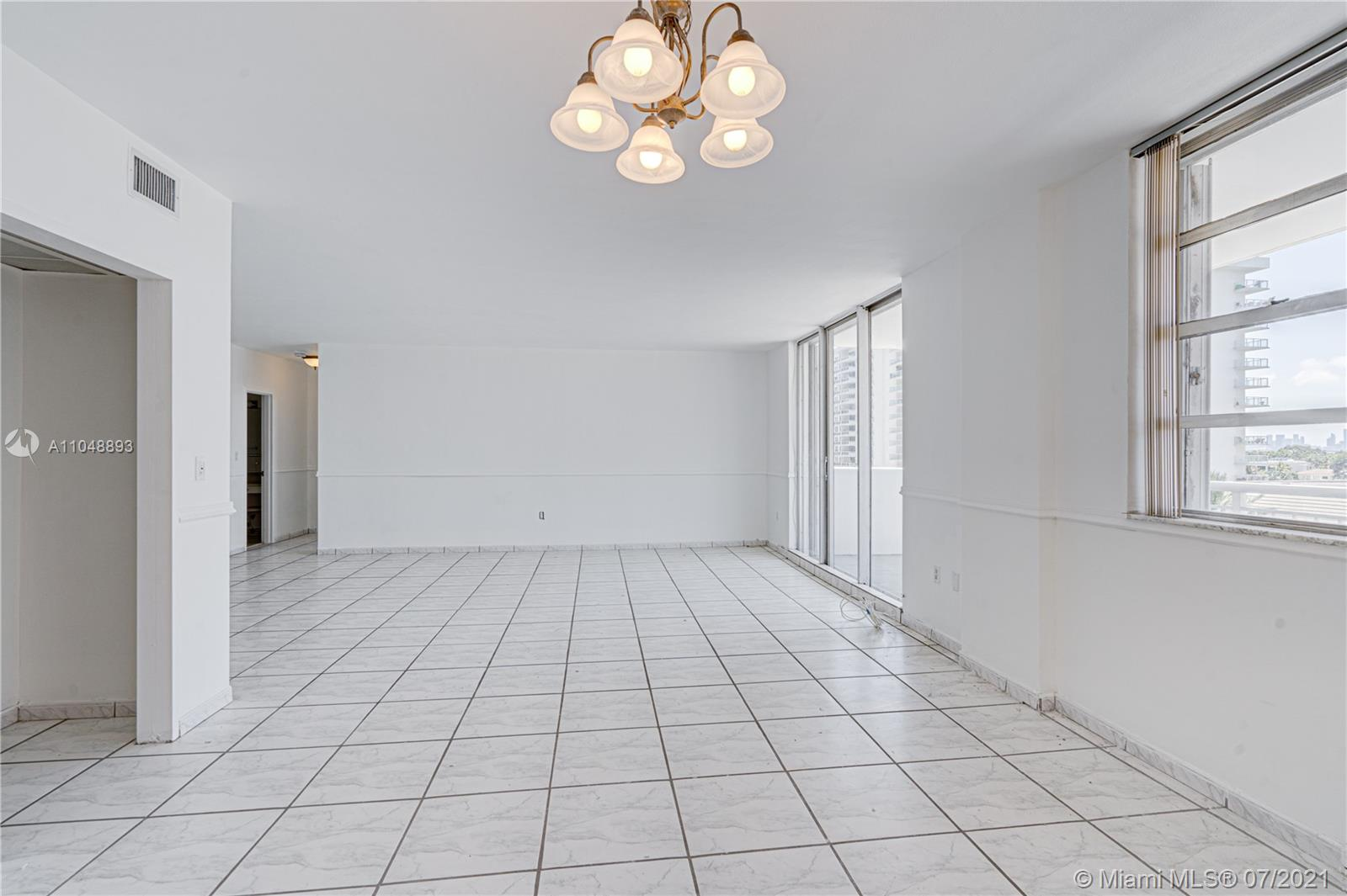 5825 Collins Ave #6A photo057