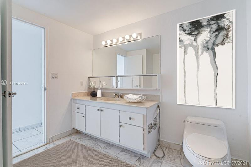 5825 Collins Ave #6A photo07