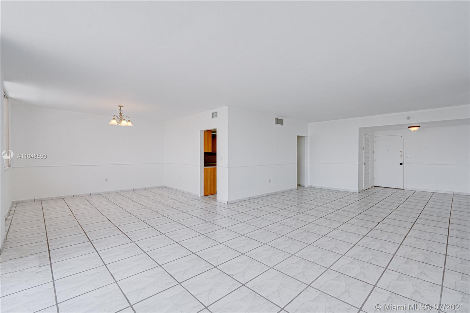 5825 Collins Ave #6A photo09