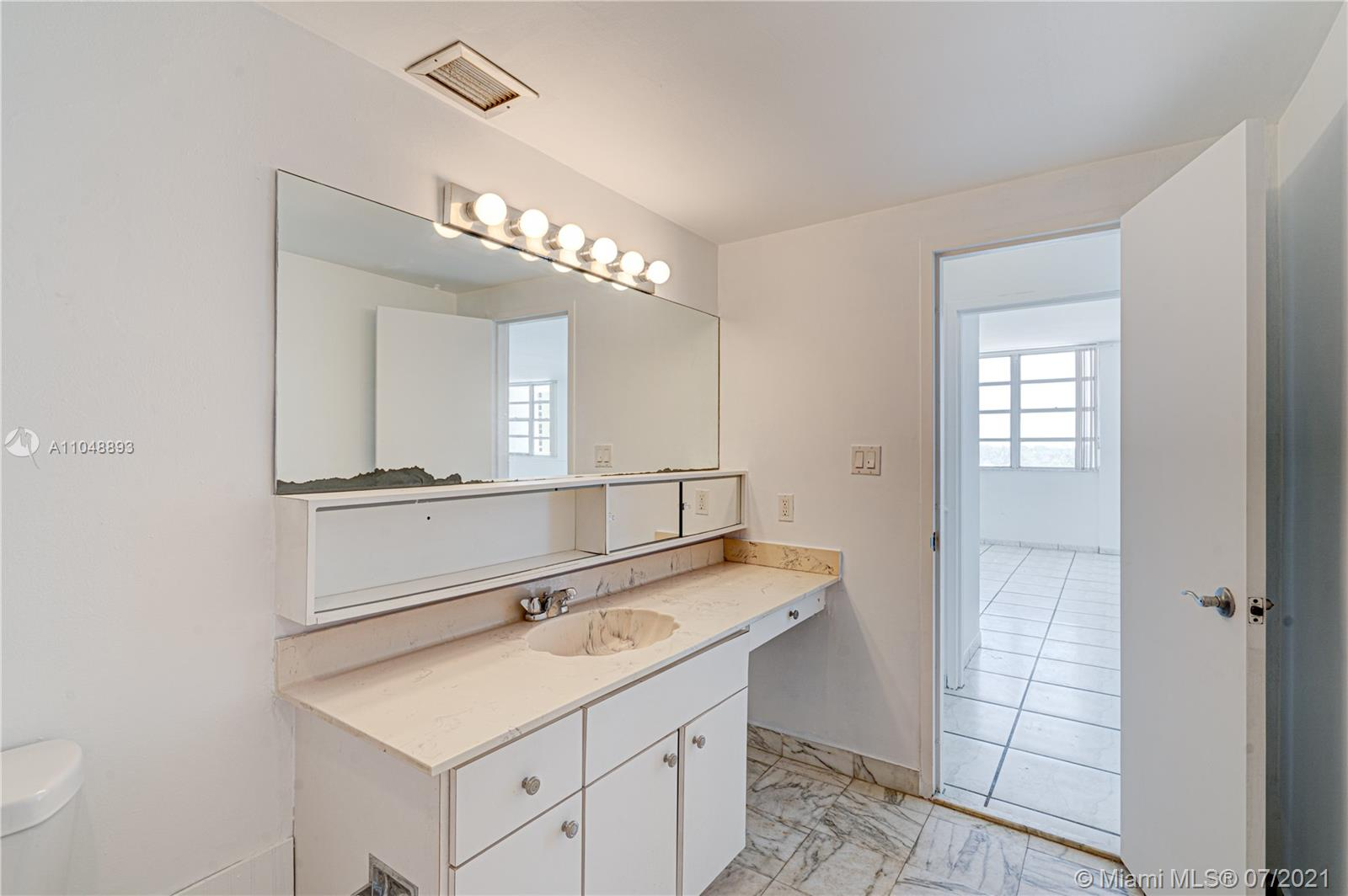 5825 Collins Ave #6A photo041