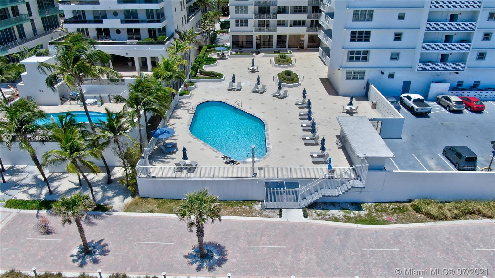 5825 Collins Ave #6A photo018