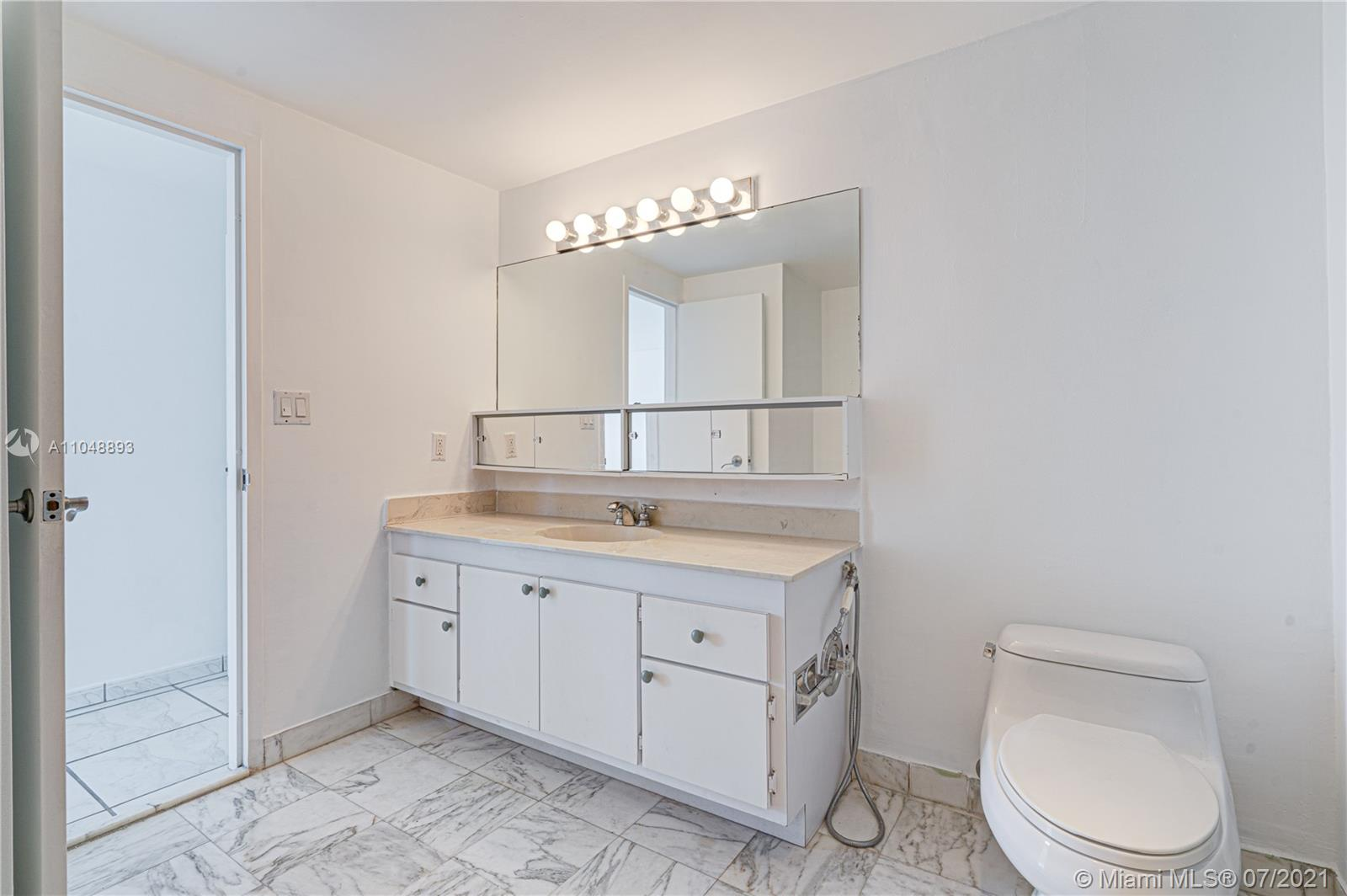 5825 Collins Ave #6A photo055