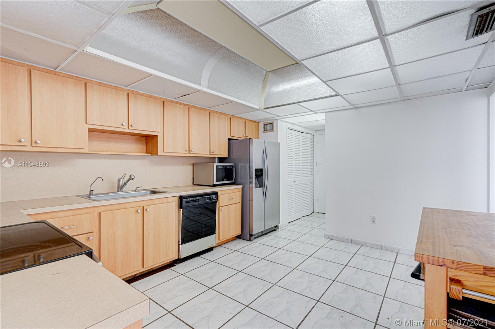 5825 Collins Ave #6A photo037