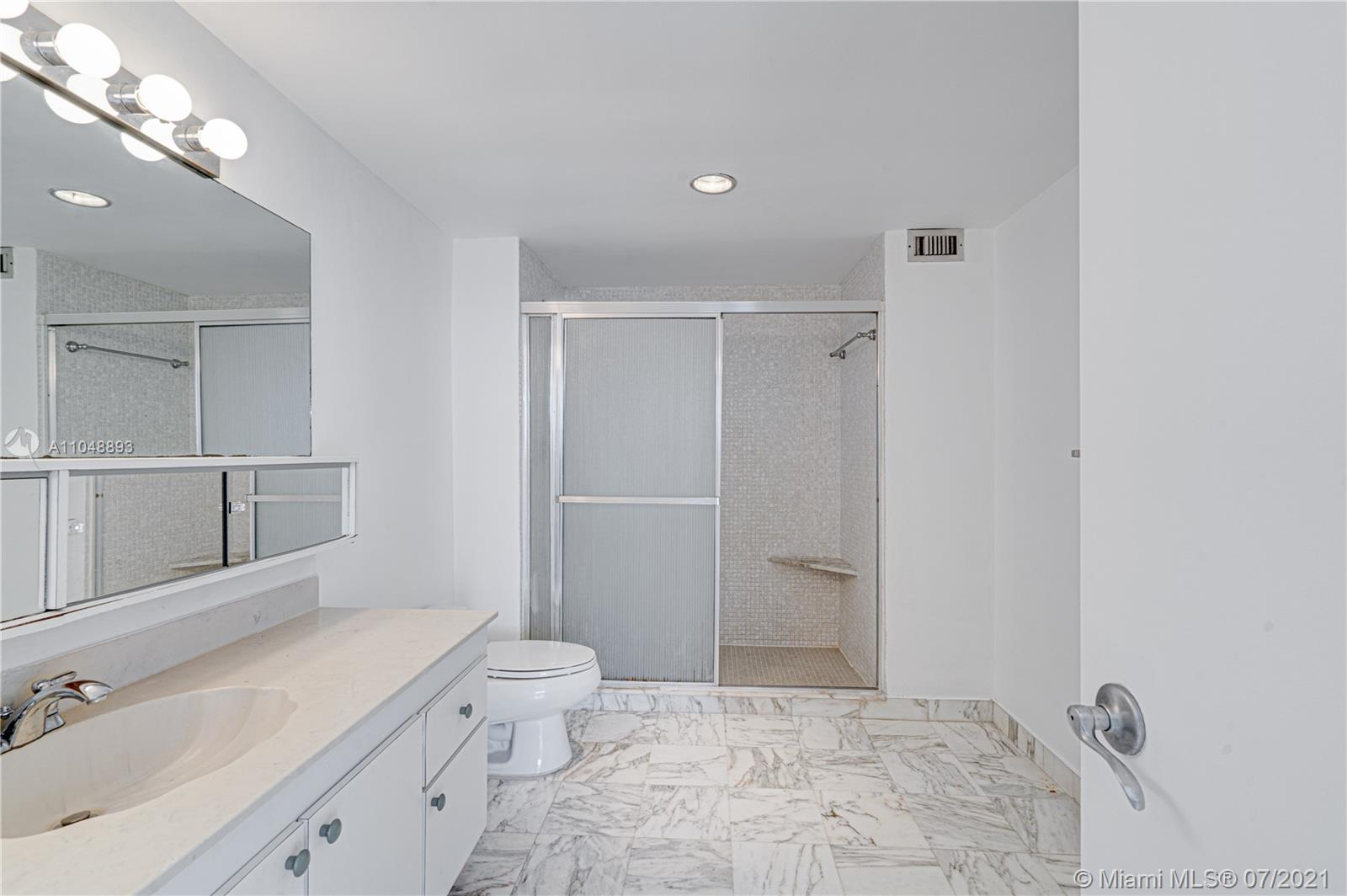 5825 Collins Ave #6A photo011