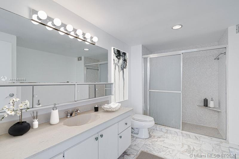 5825 Collins Ave #6A photo08