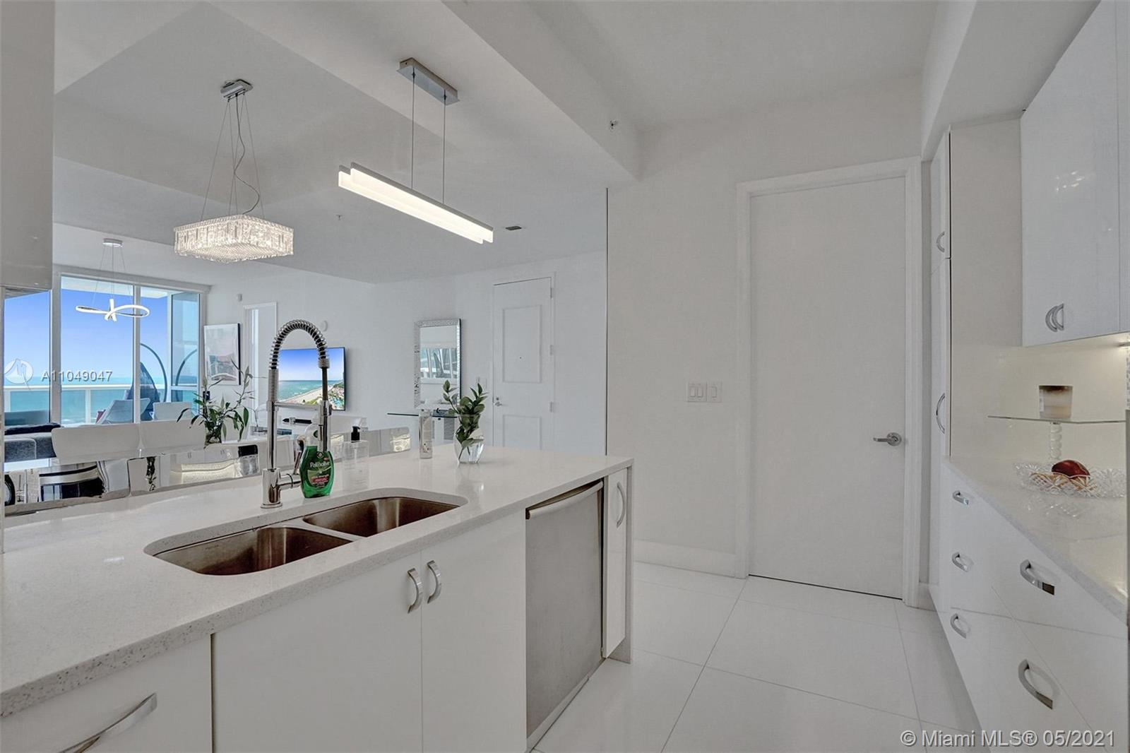 18101 Collins Ave #1405 photo022