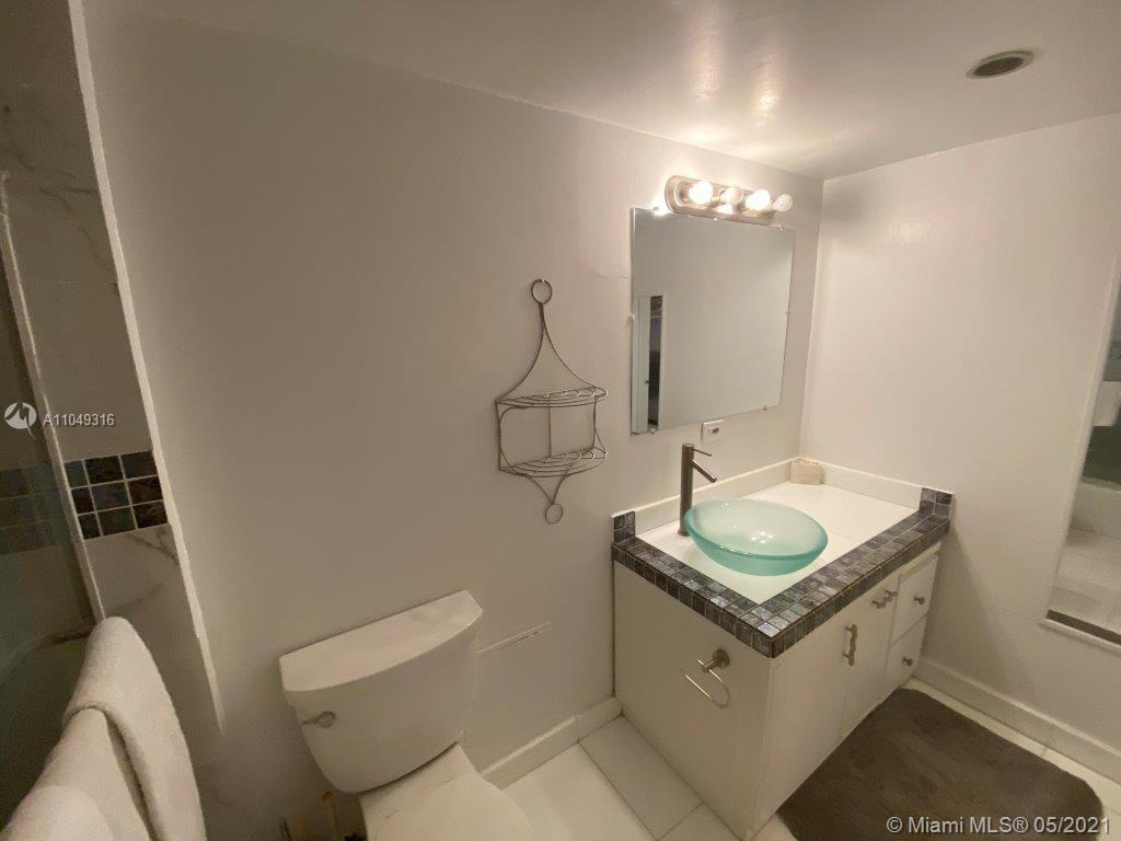2301 Collins Ave #1023 photo06