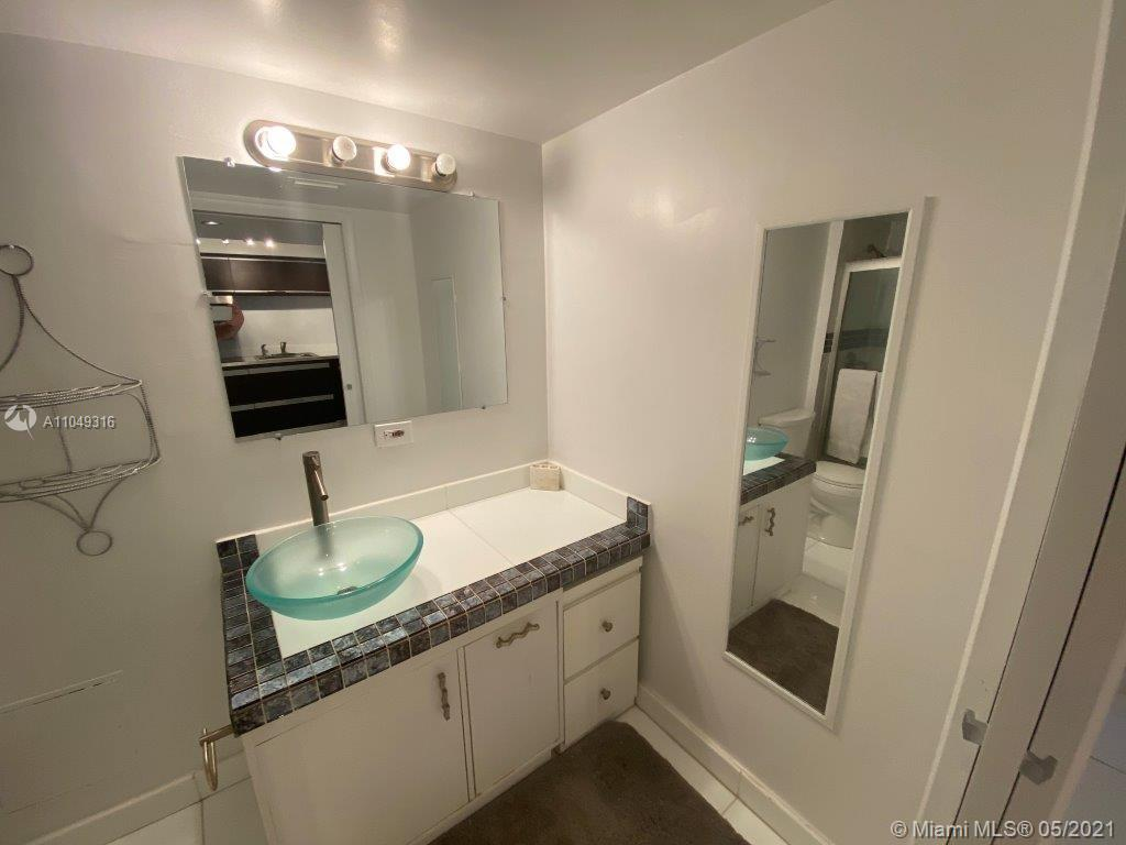 2301 Collins Ave #1023 photo07