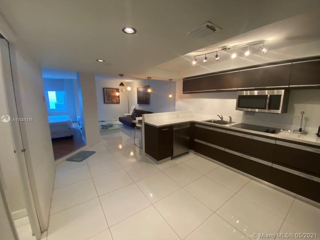 2301 Collins Ave #1023 photo09