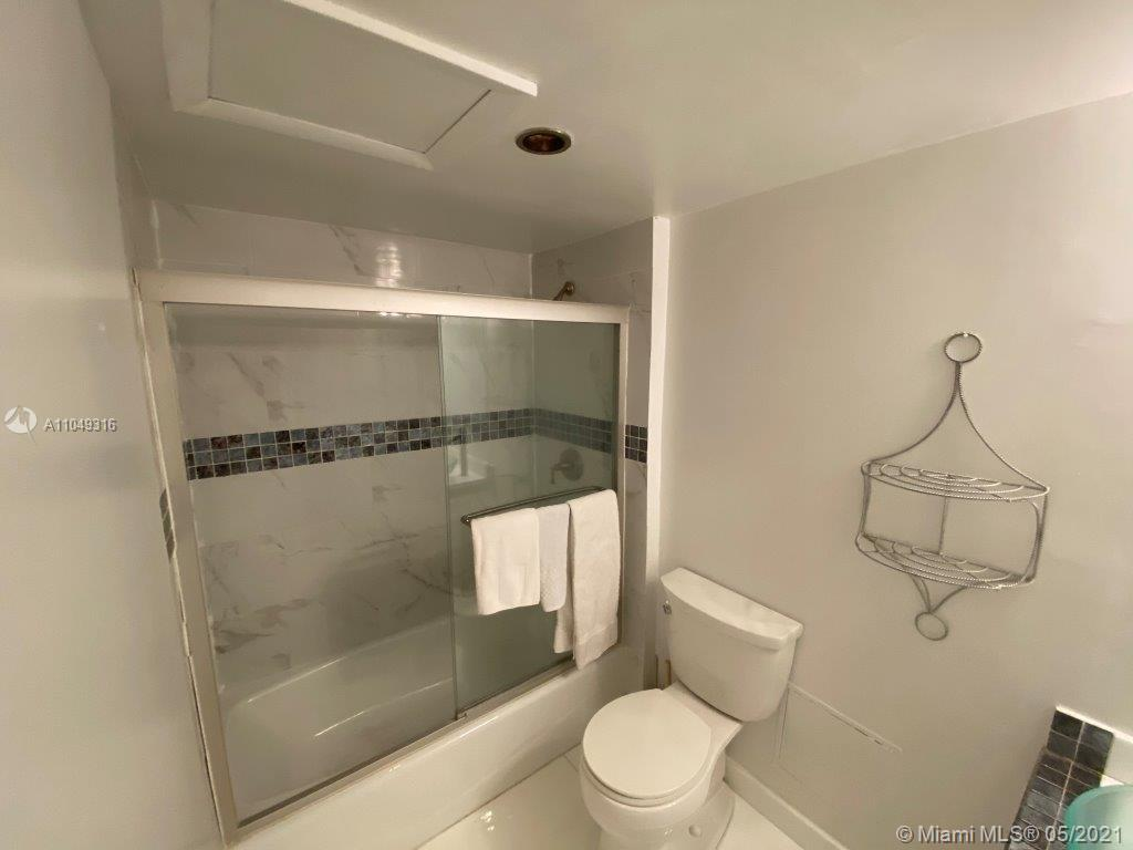 2301 Collins Ave #1023 photo015