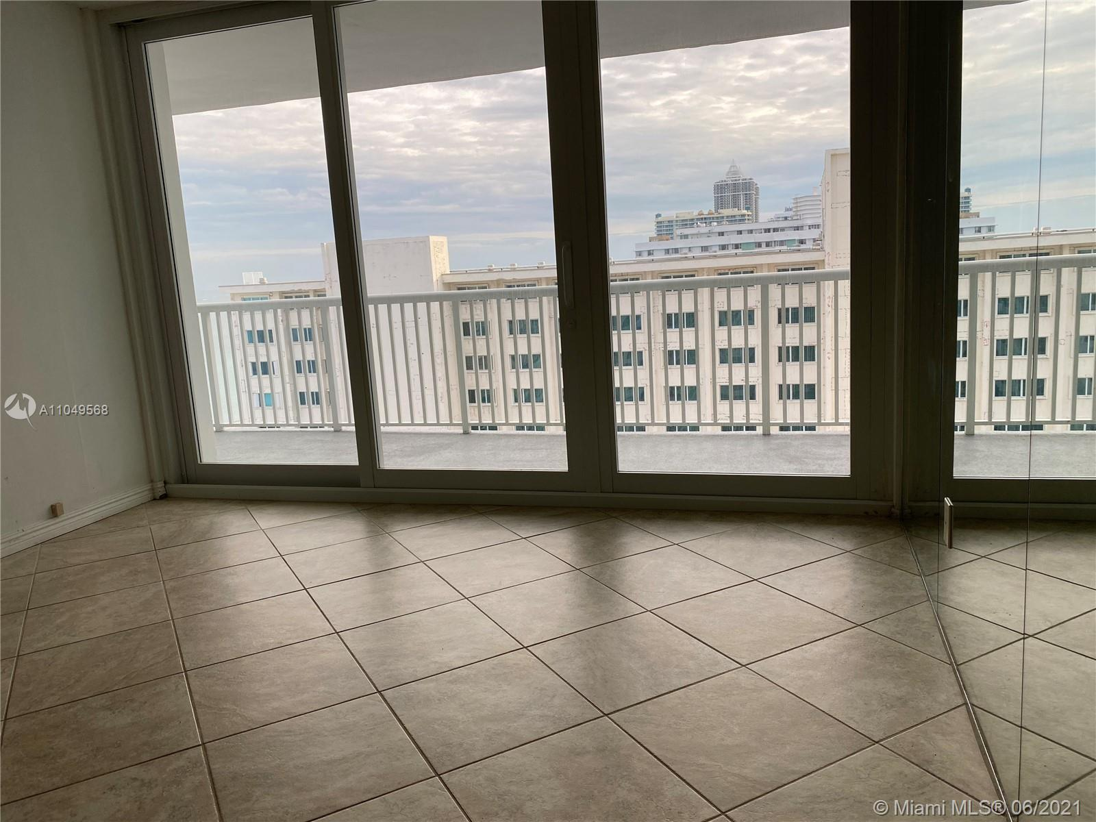 5401 Collins Ave #1416 photo08