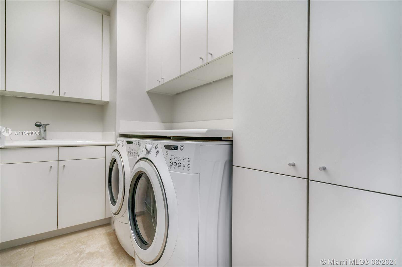 10295 Collins Ave #2404 photo08