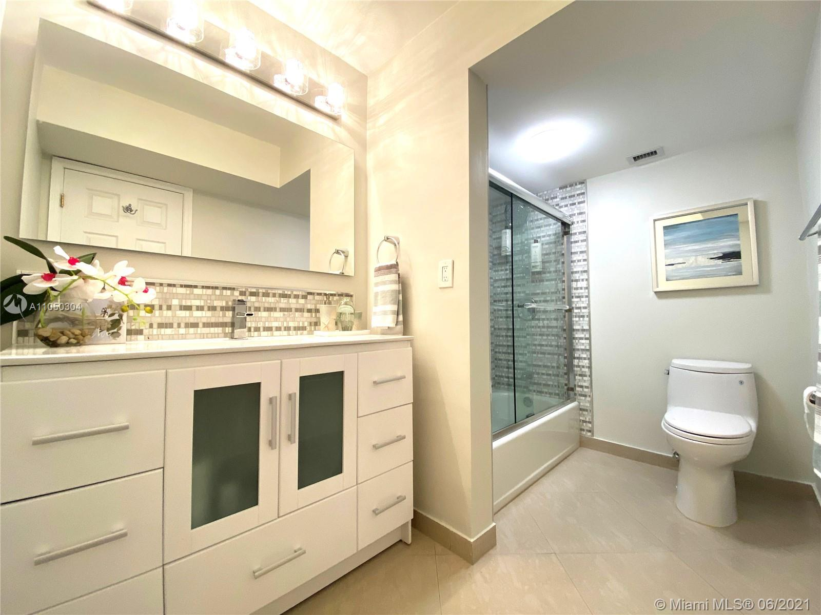 2655 Collins Ave #1201 photo022