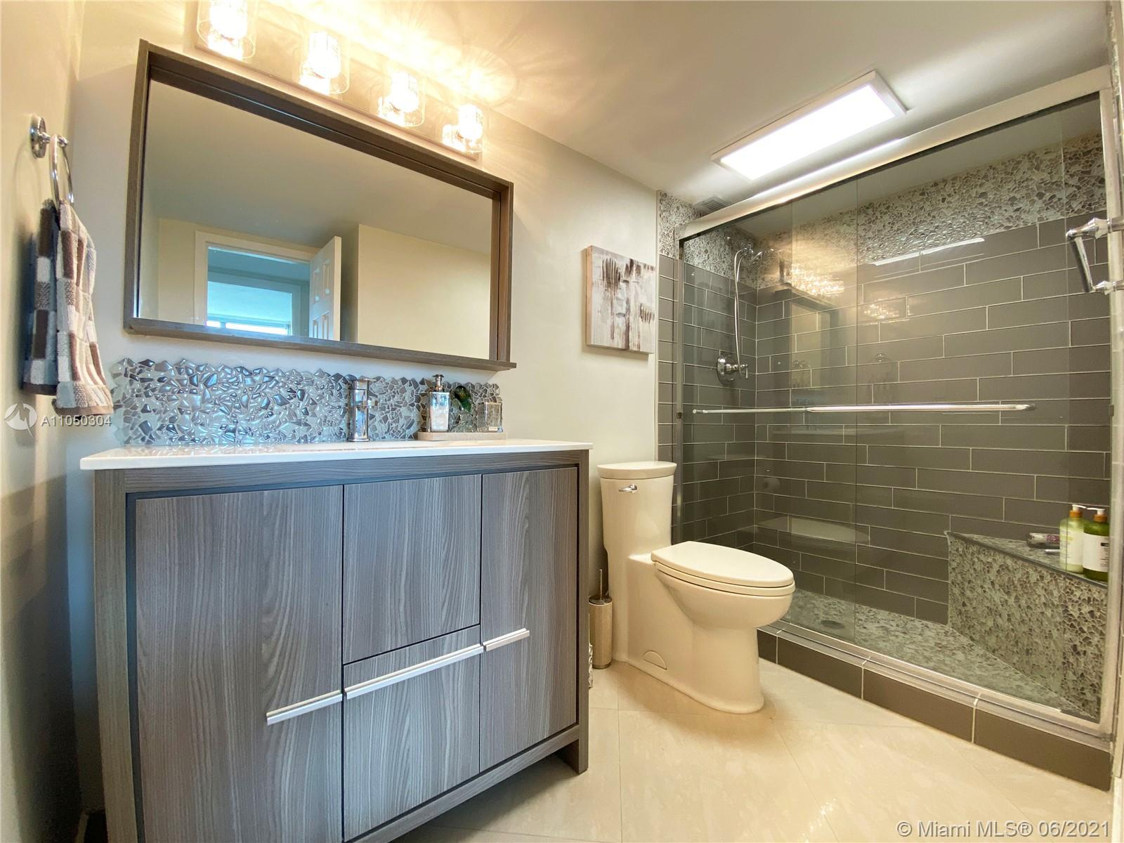 2655 Collins Ave #1201 photo028