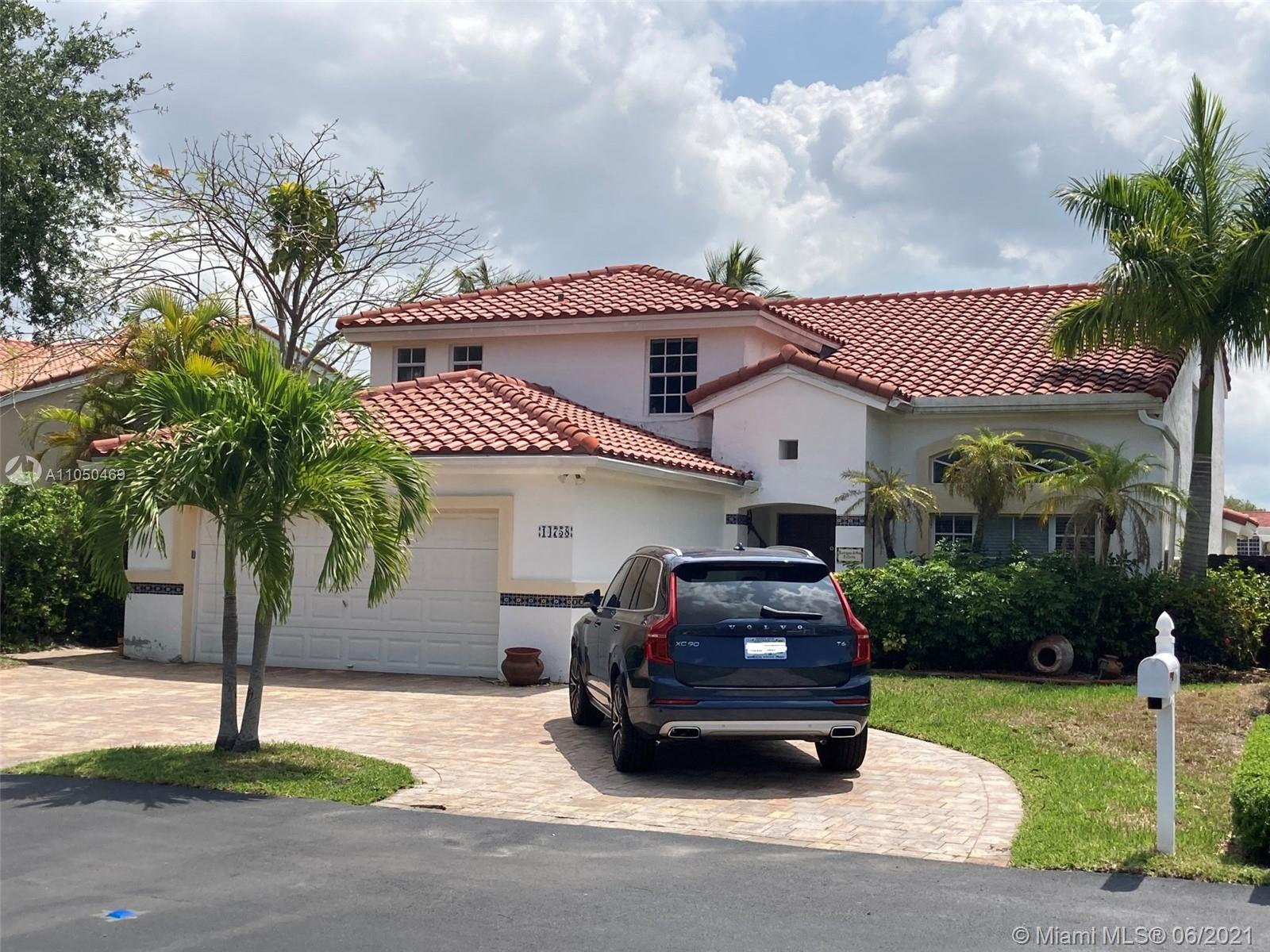 Lakes Of The Meadow - 14758 SW 43rd Way, Miami, FL 33185